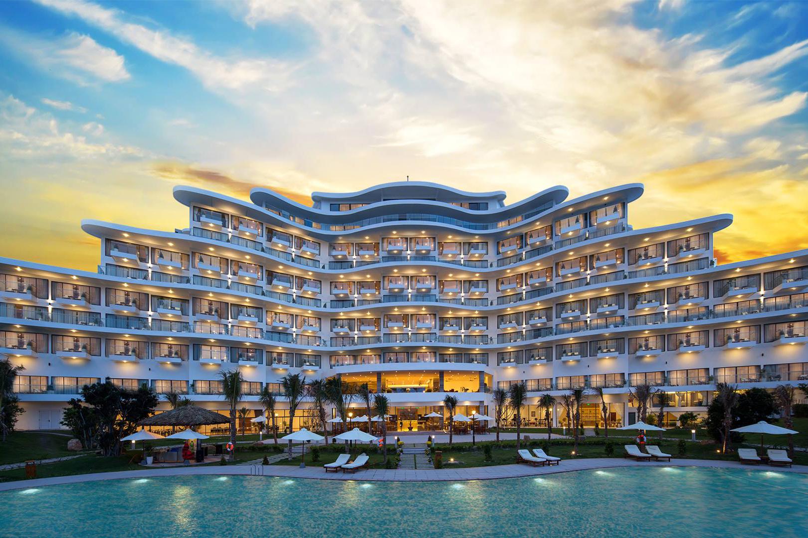 Cam Ranh Riviera Bach Resort 1