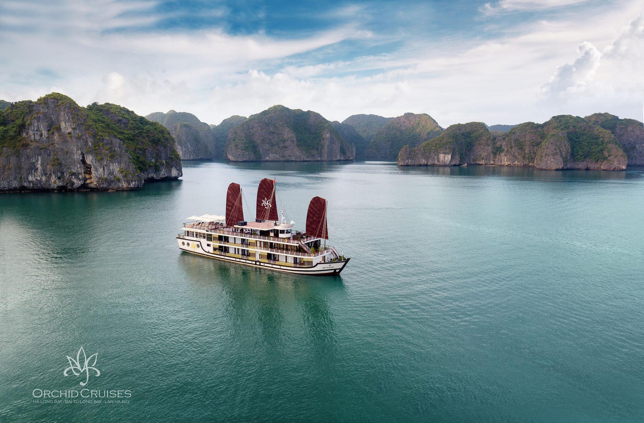 Fantasea Tours Halong Bay