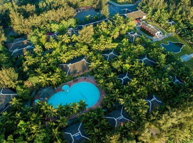 Lang Co Beach Resort 2