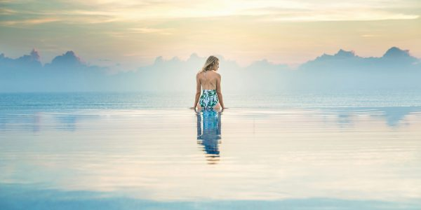 Melia Danang infinity pool