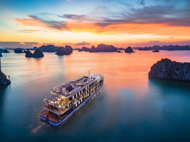 Heritage Cruises Cát Bà