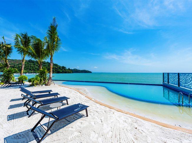 The Tide Beachfront Siray Phuket 11