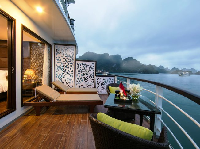 Mon Cheri Cruise Lan Hạ Bay02